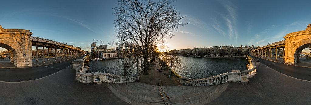 Viaduc De Passy Pont De Bir Hakeim Seine River Paris