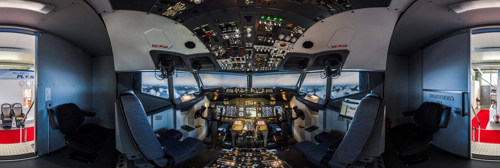 Flight-Simulator-Cockpit of Boeing 737-800 360 Panorama