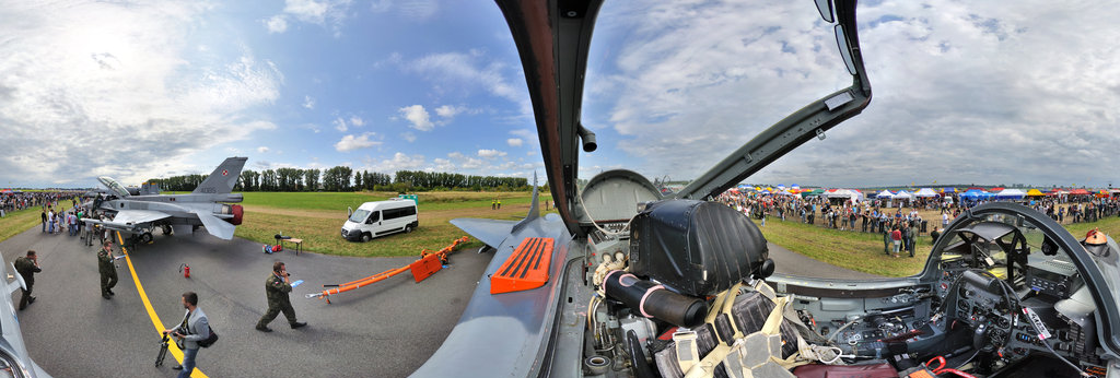 MiG-29 - cockpit  Radom AirShow 2011 360 Panorama | 360Cities